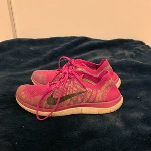 pink/multi nike tennis shoes